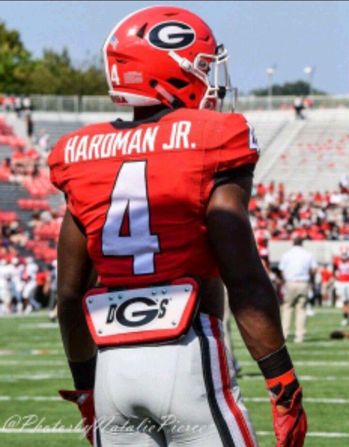 369d62758 MECOLE HARDMAN Football Fans, Football Helmets, Georgia Bulldogs, Jets,  Swift, Fields