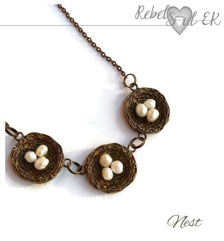 Egg nest necklace, boho pendant, nature pendant, pearls, bronze nest, bird nest, woodland necklace, Nature necklace, near neck, rebelsoulek