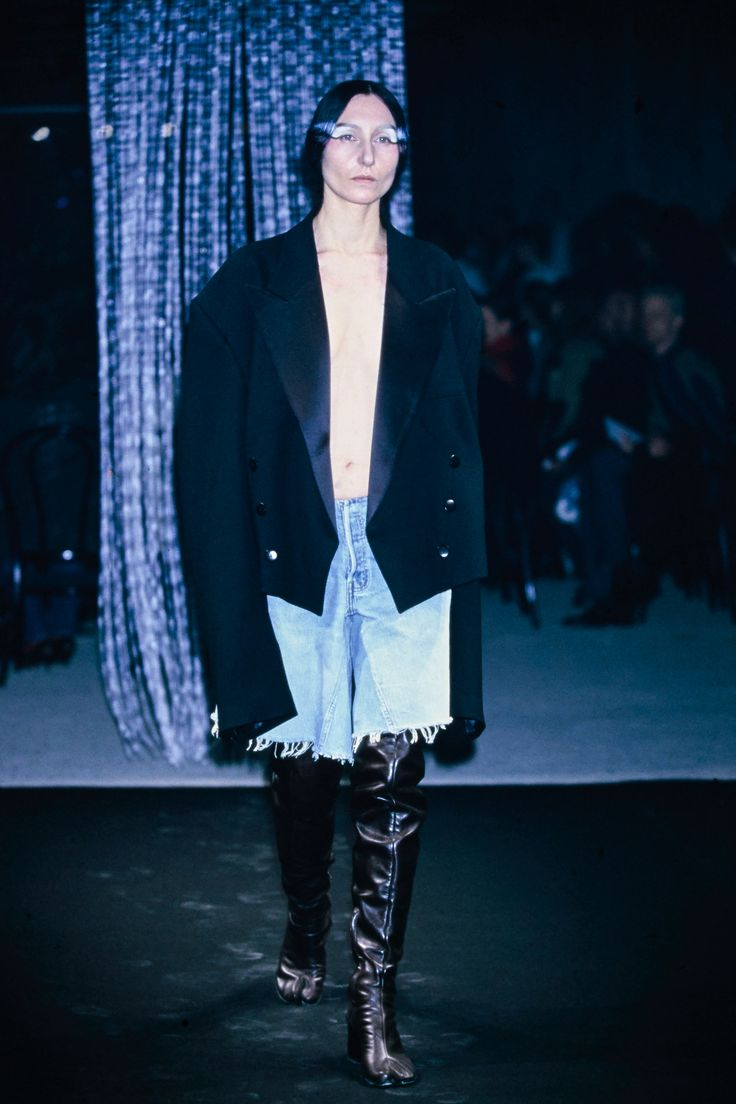 Maison Margiela Fall 2001 Ready-to-Wear Collection Photos - Vogue