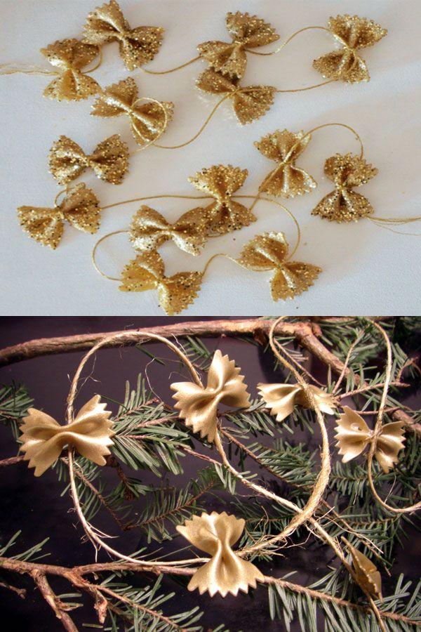 Decorazioni natalizie con farfalle di pasta