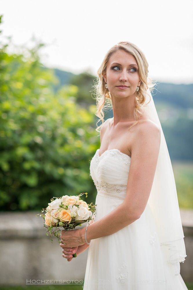 Bridal Portrait at Castle Liebegg, Aarau in Switzerland with a beautiful cloudy sunset weather.