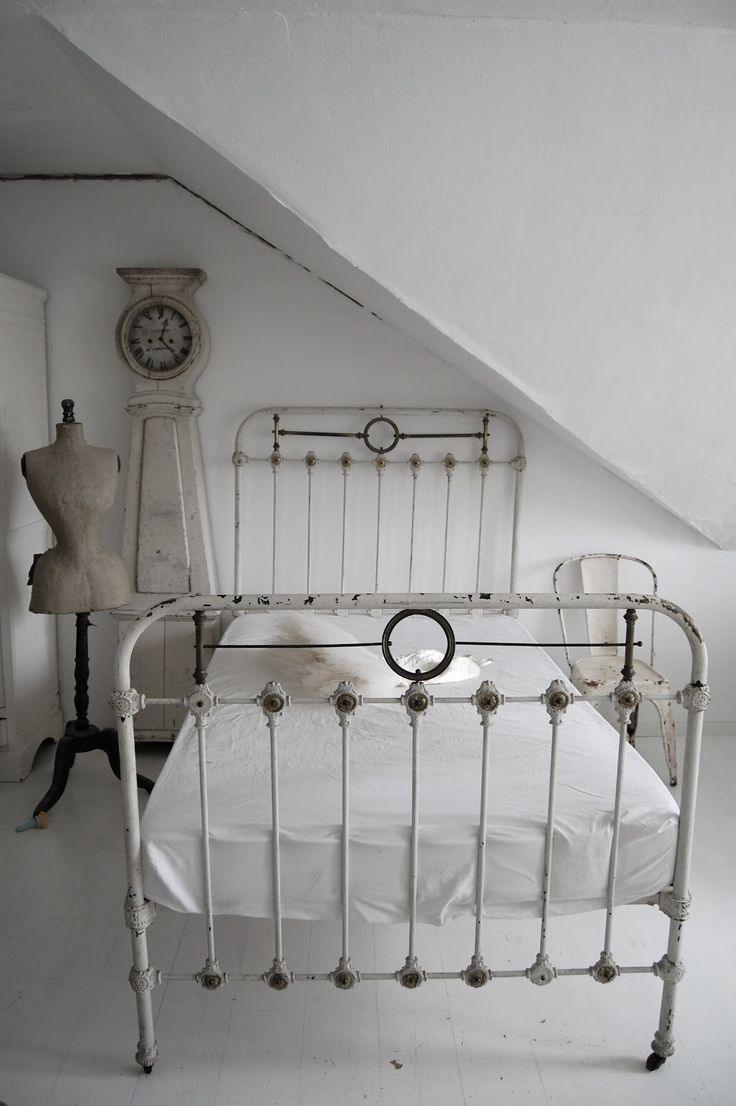 Antique french iron bed - I Think I Am On My Seventh Antique Iron Bed I Don T Mean Me Personally But My Shop Rather I Have Stocked And Sold Six Antique Iron Beds Since