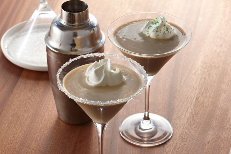 Lookin' for some Irish luck on date night? Whip up a pair of these creamy Irish coffee martinis as part of a St. Patrick's Day Dinner For Two menu. | YourTango