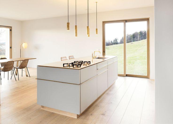 #homify #Küche #Design #Modern #Esszimmer #Gold #Leuchten #Lampe #Natur #Ausblick