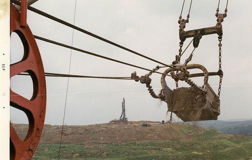 big muskie dragline pictures   Big Muskie dragline bucket in action - Ohio 1971   Flickr - Photo ...