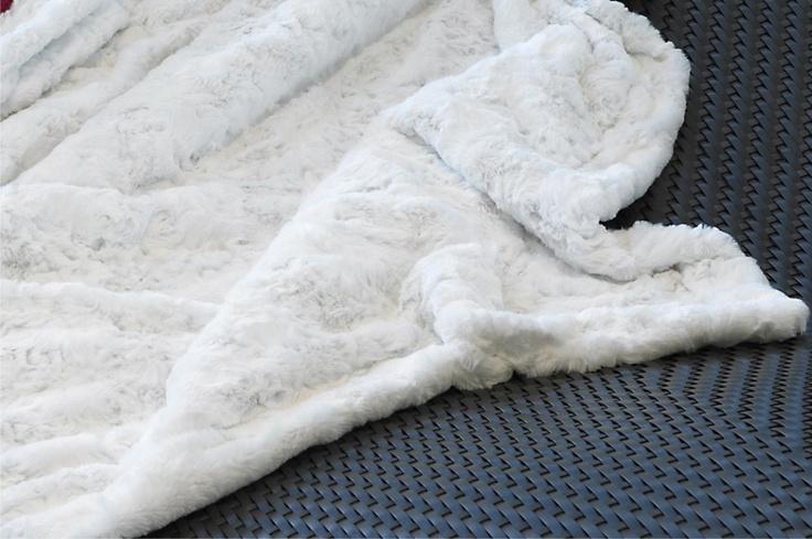 CARMA imitation fur Lamm white