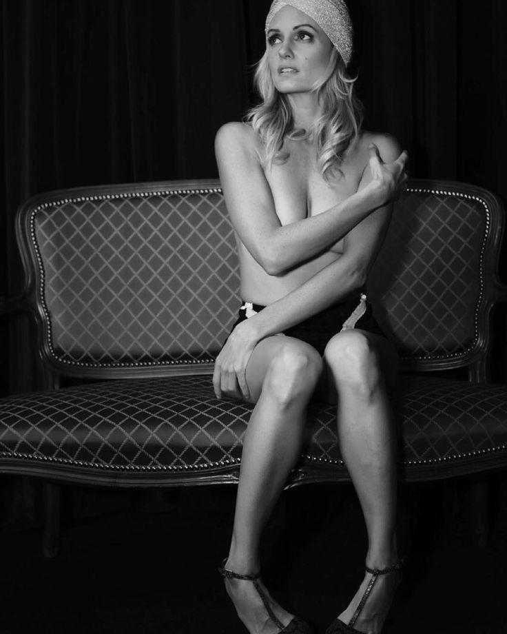 My portrait #justinemattera.  @justineelizabethmattera #actress #celebrity #portrait #photo #alessandrobianchi #photographer #model #girl #beautiful #beauty #blackandwhite #hot #cool #swag