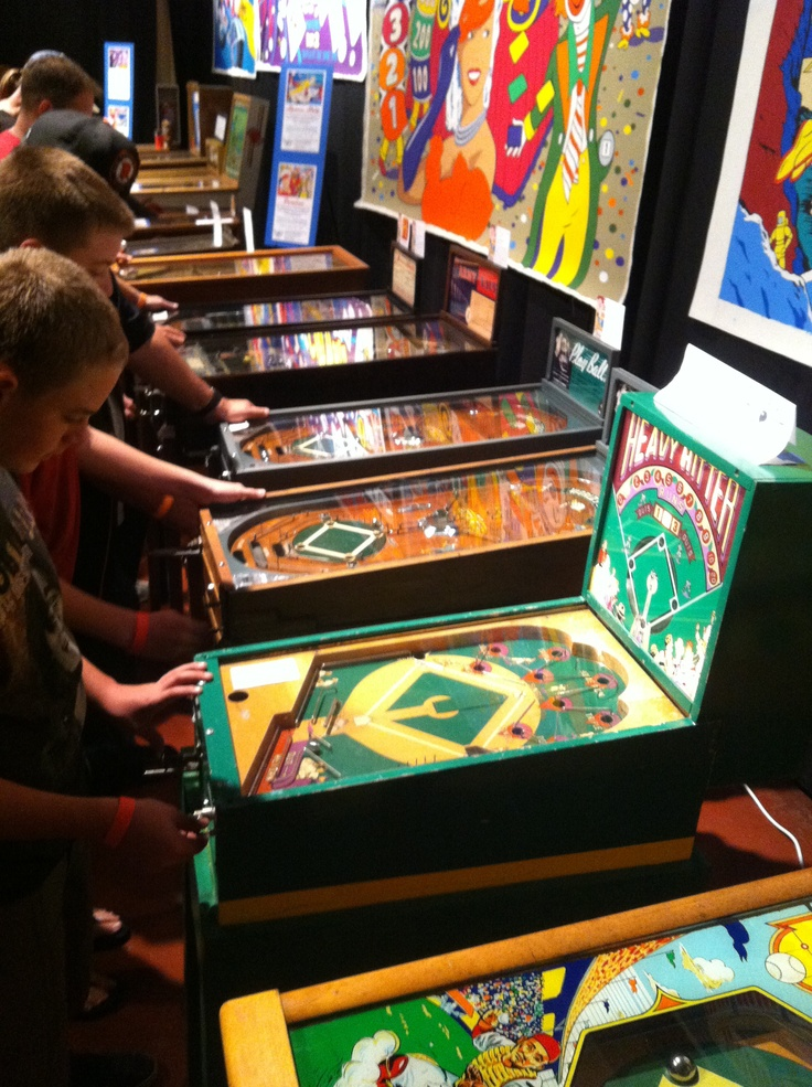 Some awesome games of the 1930s. Pinball machines, Coin