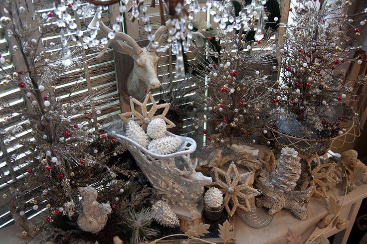 Оформление нового года.  #оформлениесвадьбы #оформление #красиваясвадьба #необычнаясвадьба #декор #дизайн #свадьбамосква #банкет  #букетневесты #флористика #композиция