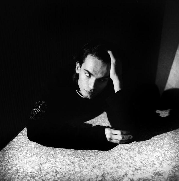 Jonny Greenwood of Radiohead photographed in November, 1993. © Valery Lorenzo