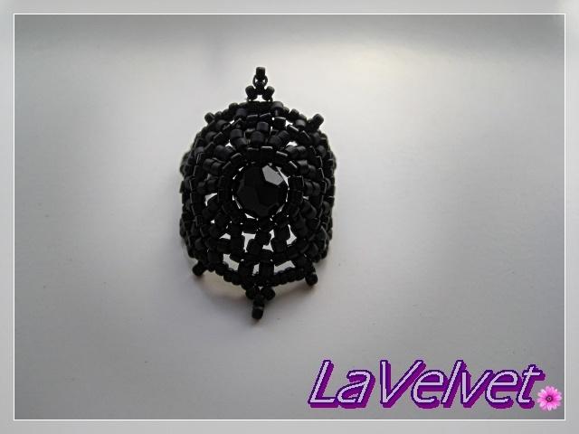 El trastero de LaVelvet-  Anillo Syrah de Biloba