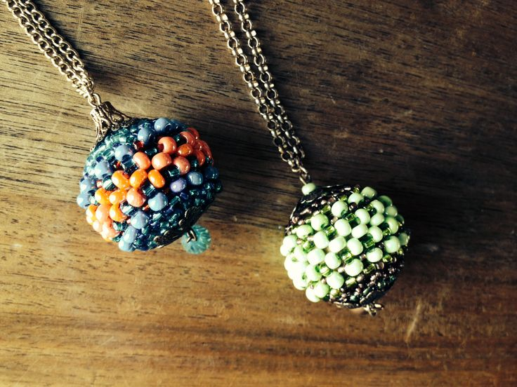 Bead ball necklace