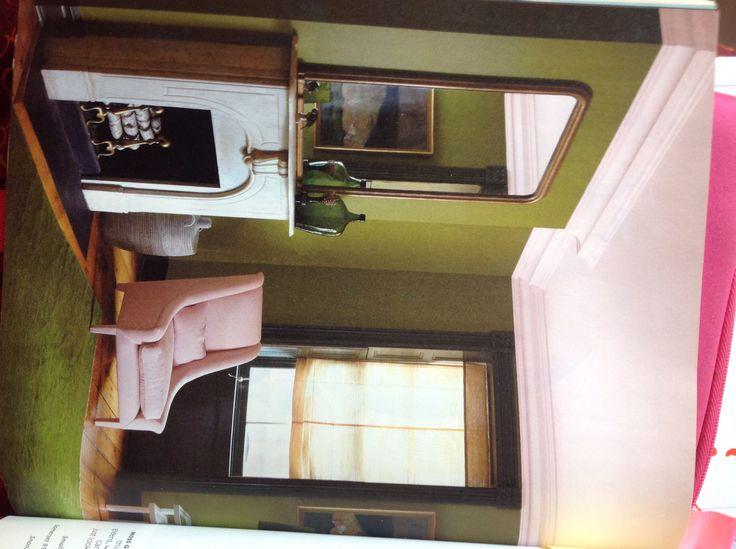 Ambiente verde y rosa. Revista Real Simple Agosto 2011.