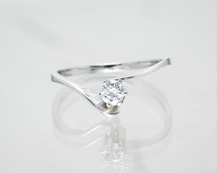 Pierścionek z diamentem na zaręczyny. 05942 Sklep Złoto-Orla Warszawa
