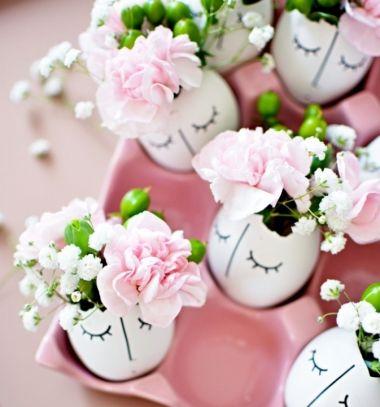 DIY Whimsy sleepy face eggshell Easter vase  (free template) // Húsvéti asztaldísz tojáshéjból - virág váza álmos arcokkal // Mindy - craft tutorial collection