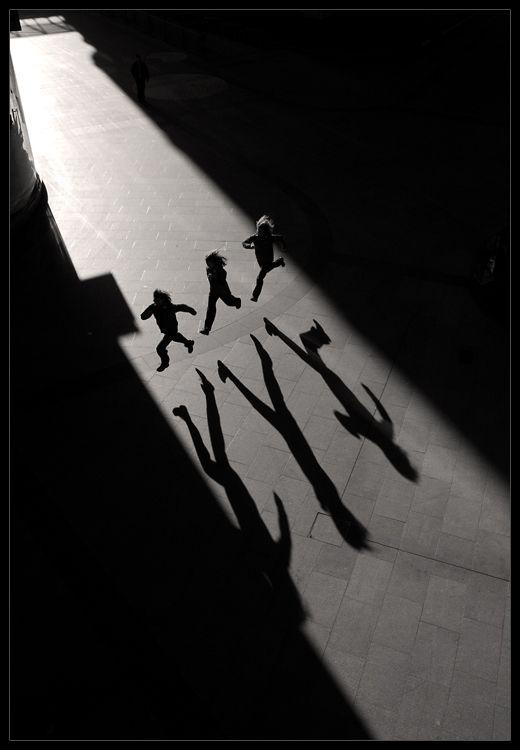 Futó árnyékaik  Laurent Filoche fényképe                                                                                                                                                      Más