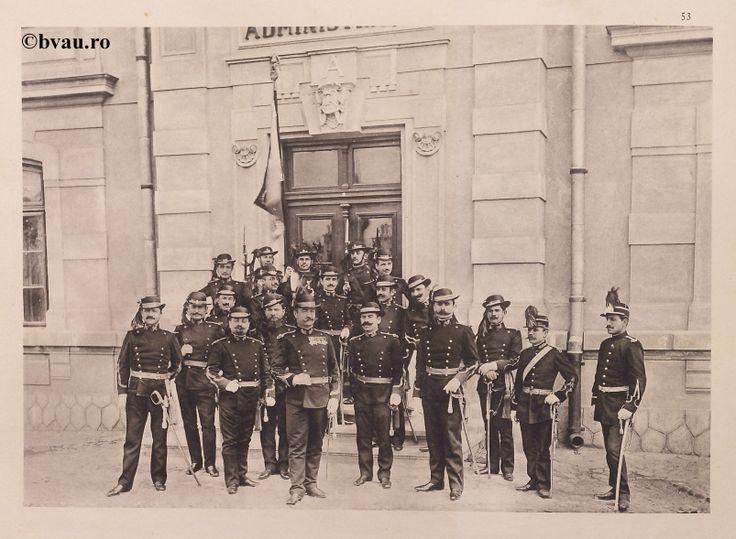 """Batalionul 3 Vânători, 1902, Romania. Ilustrație din colecțiile Bibliotecii Județene """"V.A. Urechia"""" Galați. http://stone.bvau.ro:8282/greenstone/cgi-bin/library.cgi?e=d-01000-00---off-0fotograf--00-1----0-10-0---0---0direct-10---4-------0-1l--11-en-50---20-about---00-3-1-00-0-0-11-1-0utfZz-8-00&a=d&c=fotograf&cl=CL1.13&d=J054_697980"""
