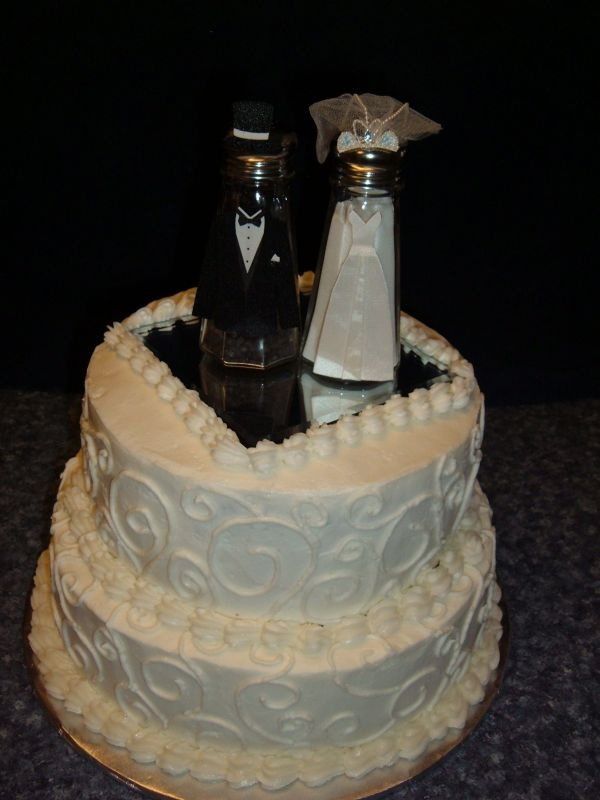 Alright, only Fireproof lovers get this one. Seriously, when I tell people who haven't seen the film that I want to have a salt and pepper shaker set on my future wedding cake they give me that long, awkward stare. ;)