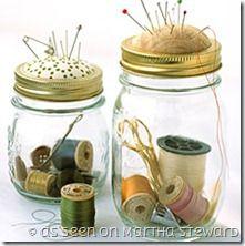 Come trasformare un barattolo di vetro in un kit da cucito