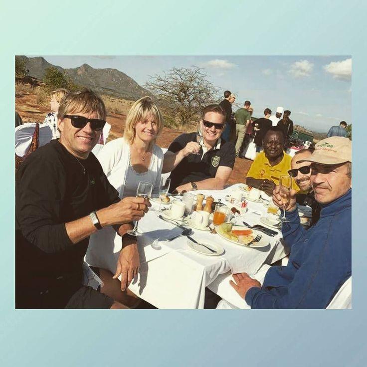 En fantastisk frokost etter en hendelsesrik safari! Tsavo West National Park
