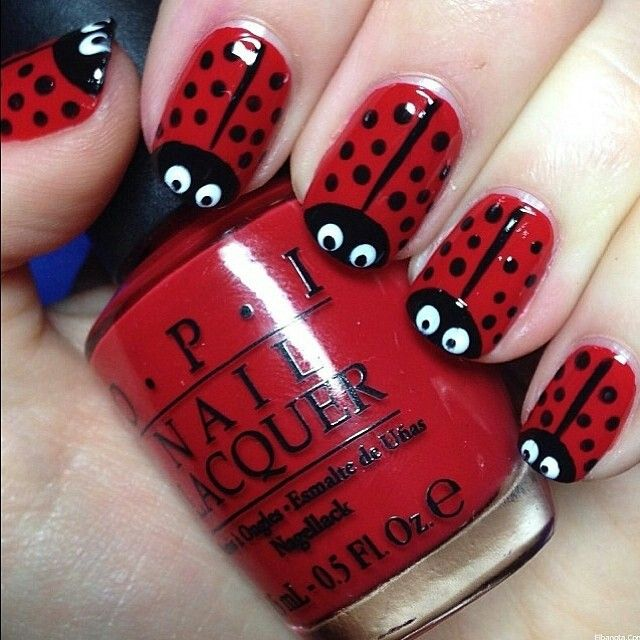 I saw this and was like, OMG ladybirds (or ladybugs I really still do not know) are the all-time adorable nail art look!!♥♡♥♡♥♡