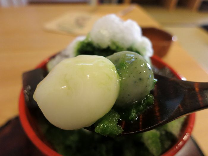 萬御菓子誂処 樫舎 (よろずおんかしあつらえどころ かしや)