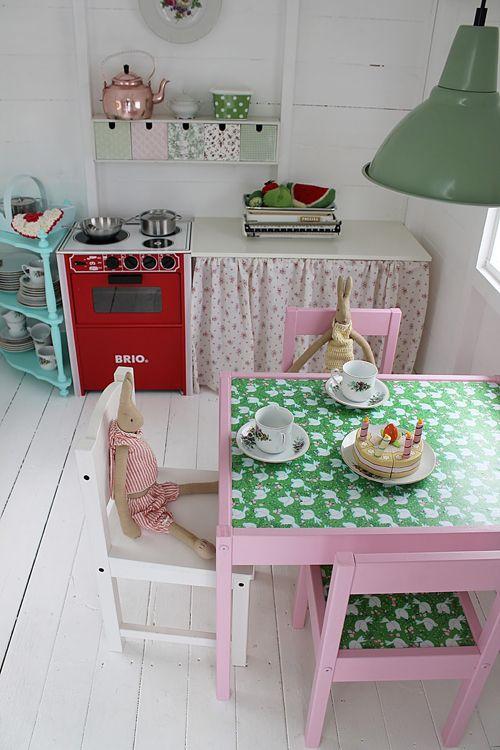 Vintage style kids kitchen-mix of mini print fabrics is great.