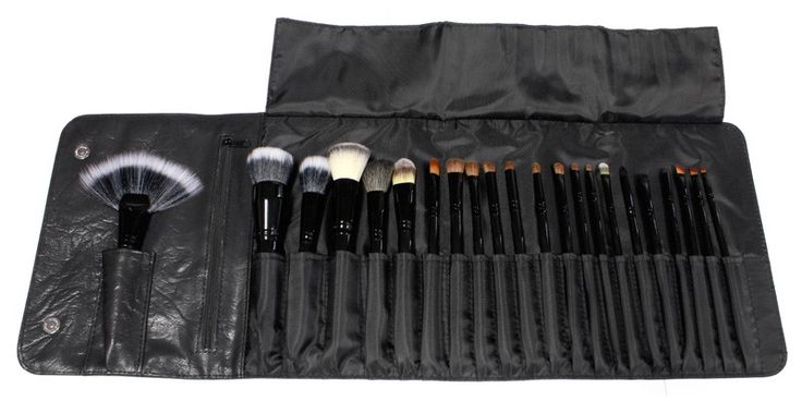 i ordered this today    Looking for a complete set of makeup brushes? 22 Piece Brush Set. This complete collection of luxury makeup brushes includes the essentials used by the pros. Each makeup brush caters to a different need no matter what look you're trying to achieve. All twenty-two cosmetic brushes fit perfectly together in our matte black, Coastal Scents imprinted roll up case making this set ideal for travel. Roll it, snap it, and you're set to go!