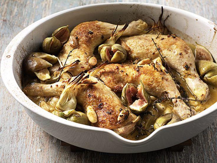 Rezept für Provenzalisches Huhn bei Essen und Trinken. Ein Rezept für 4 Personen. Und weitere Rezepte in den Kategorien Geflügel, Gemüse, Gewürze, Kräuter, Nüsse, Obst, Alkohol, Hauptspeise, Braten (Fleisch), Backen, Braten, Dünsten, Kochen, Französisch.