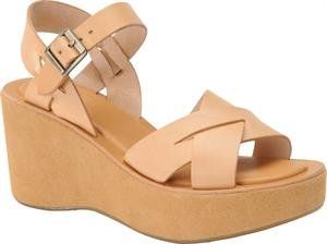 Platform Sandal was the quintessential 70's shoe.  Loved these!