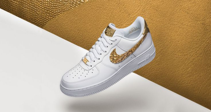 Der Golden Patchwork Nike Air Force 1 x CR7 kommt wieder!   #nike #airforce #nikeairforce #nikes #follow4follow #TagsForLikes #photooftheday #fashion #style #stylish #ootd #outfitoftheday #lookoftheday #fashiongram #shoes #kicks #sneakerheads #solecollector #soleonfire #nicekicks