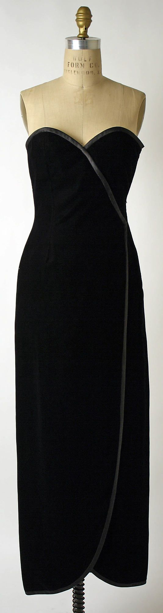 Evening dress.  Yves Saint Laurent, Paris  (French, founded 1962) (born Algeria) Oran 1936–2008 Paris)  Date: fall/winter 1984–85  French. silk