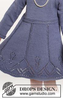 """Sættet består af: Strikket DROPS kjole og hårbånd i """"Cotton Merino"""" med hulmønster. Str 2 - 10 år. ~ DROPS Design"""