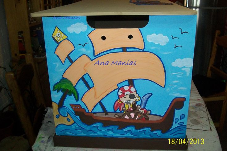 pirata, lateral de un baul para guardar juguetes