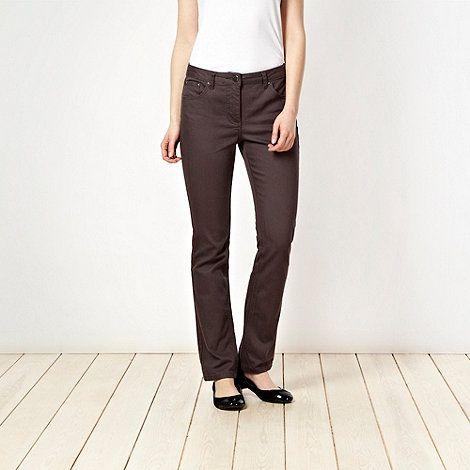 Shape enhancing grey straight leg jeans #DIY #FASHION