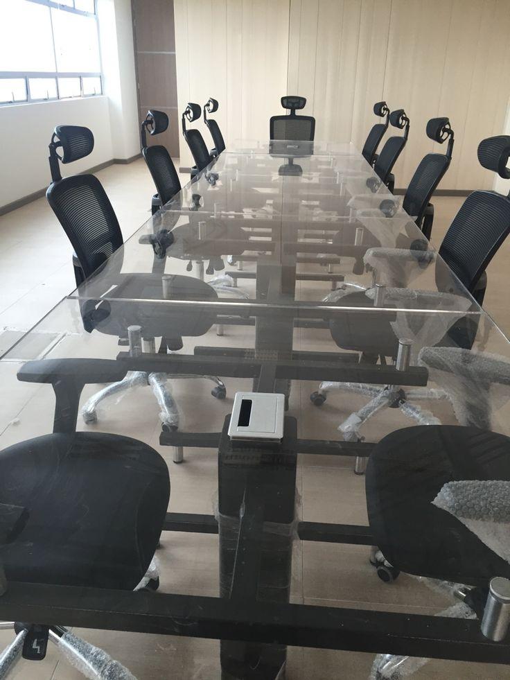 Gromet para mesa de juntas y puestos de trabajo. Cajas de conectividad configurables