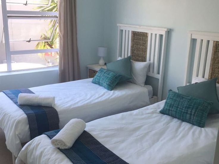 58 The View Jeffreys Bay - A very modern 4 bed (2 bedroom) fully furnished self-catering holiday apartment on the second floor of a secure complex.The unit is fully equipped with house amenities (oven, fridge and freezer, washing ... #weekendgetaways #jeffreysbay #kougacountry #southafrica