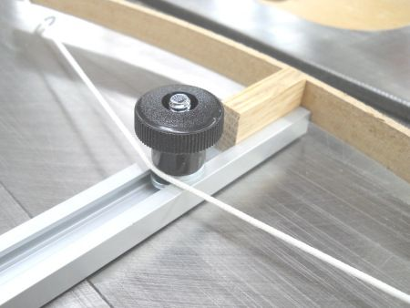 T-track Fully Adjustable Arch Drawing Jig / Gabarit entièrement ajustable pour tracer des arcs