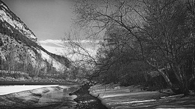 bwstock.photography - photo | free download black and white photos  //  #snowy #shore #river
