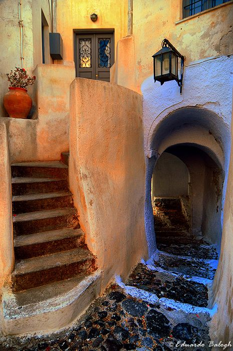 Pyrgos, Santorini island, Greece. - selected by www.oiamansion.com