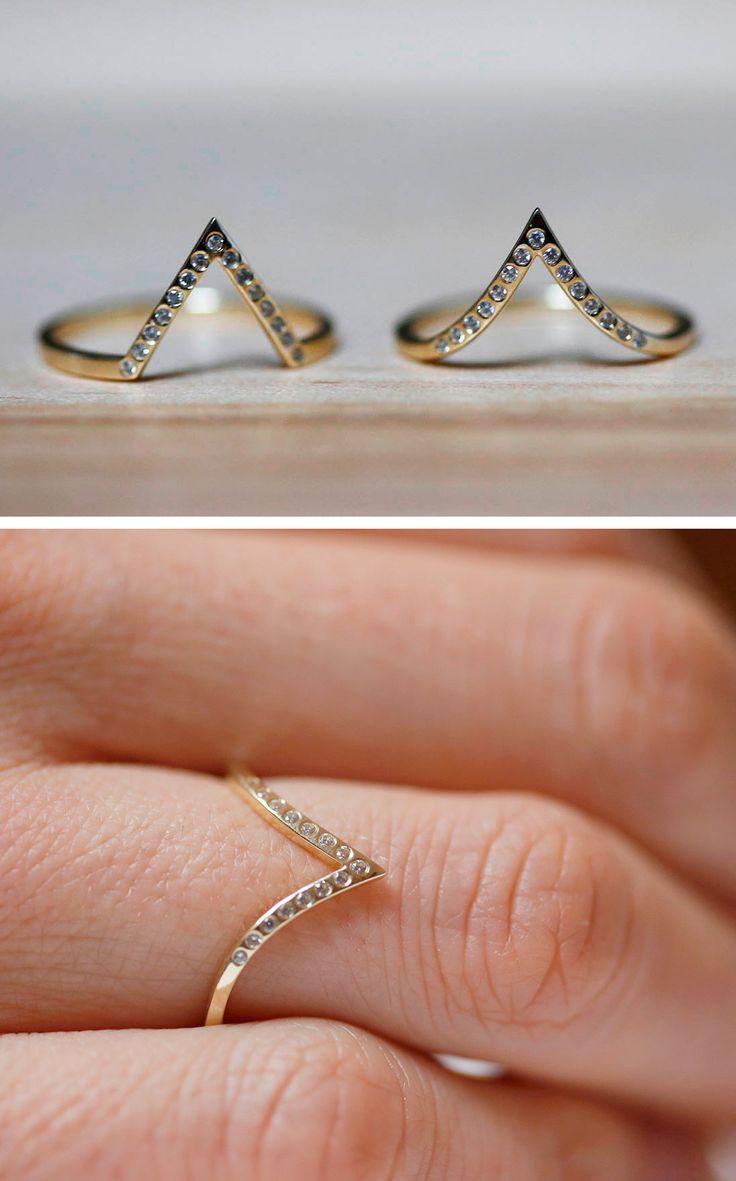 Chevron diamond ring