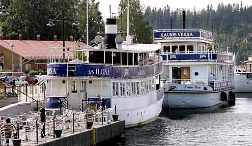 There are many boat restaurants at the #harbour of #Lahti