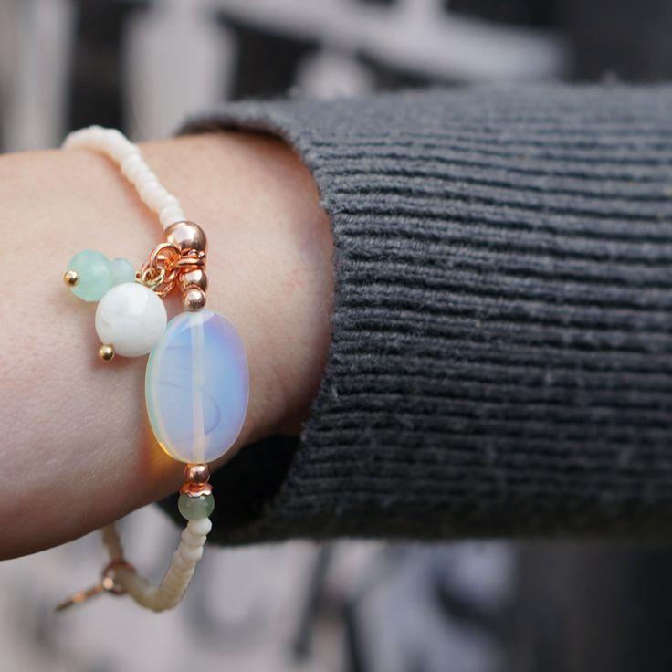 kralen armbandje met mooie steen www.beadle.nl