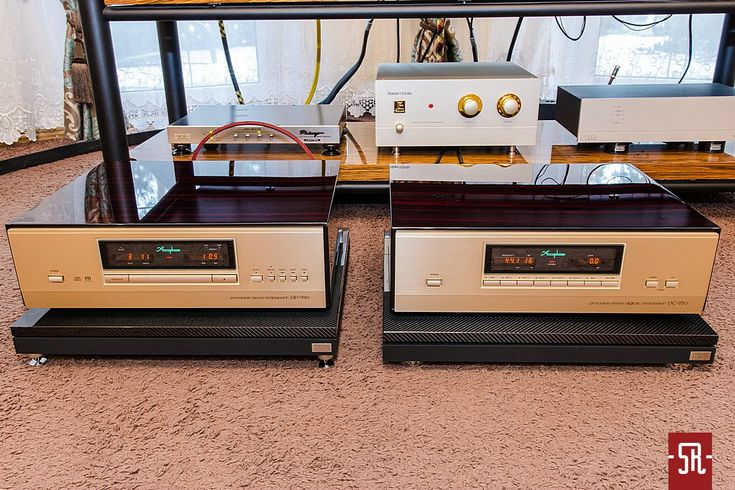 Accuphase DP-950 + DC-950 + Thixar Slence Plus Platforms. Sounds great, Looks great!