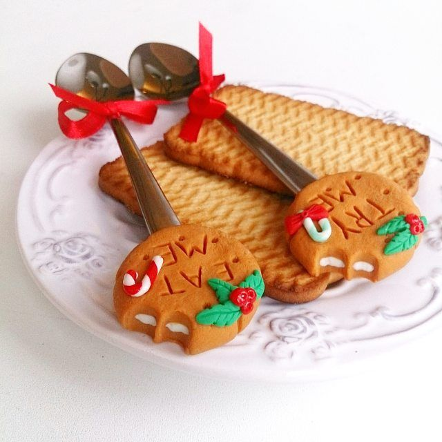 Приятного аппетита  не сломайте зубы Печеньки в #polkamarketkzn  в здании гума.  ________________________ Все ложечки в группе Вк по альбомам,активная ссылка в профиле ⬆ здесь ➡ #lerasandrovna_crafts #spoon #kitchen #cucina #kitchenwear #handmade #polymerclay #worldbestideas #icecream #cake #cupcakes #вкусныеложечки #ложечки #праздник #дети #торт #подарки #свадьба #идеи #мороженое #ручнаяработа #Казань #рукоделие #творчество #полимернаяглина #фигурки #лепнина