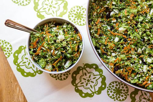 WHOLE FOODS DETOX SALAD COPYCAT.  I love veggies...and always need easy things for lunch.  Going to try this this week.
