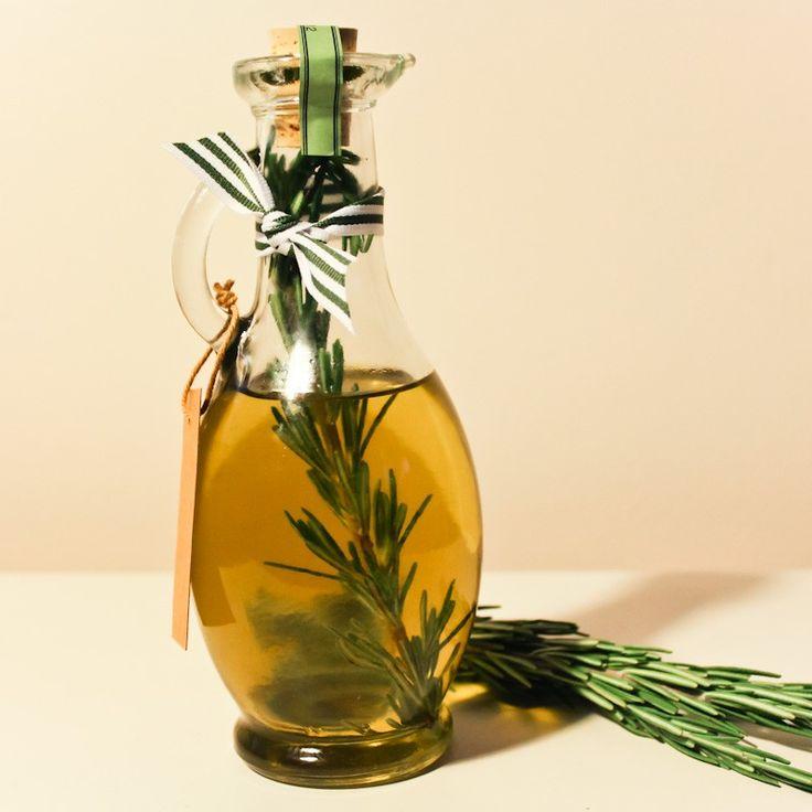 Beneficii ale uleiului de rozmarin!