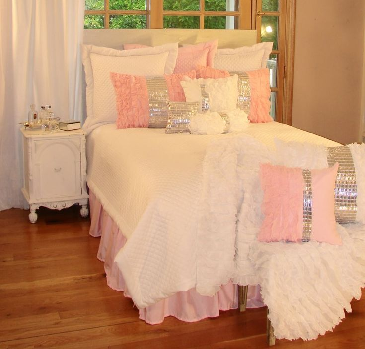 1000 ideas about pink girl rooms on pinterest girl rooms girls bedroom and kids bedroom - Cute bed sets tumblr ...
