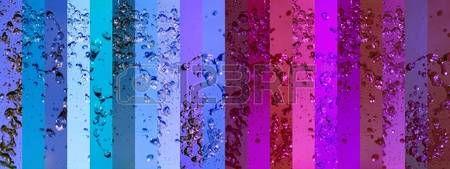 Rose et bleu femenine milieux masculins dans un contexte avec la banni�re humide avec des gouttes photo