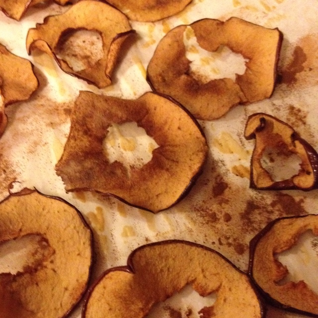 Yummy apple chips